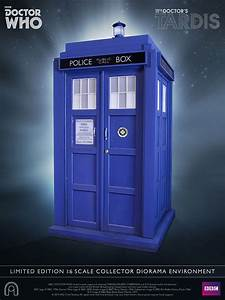 Doctor Who 11th Doctor TARDIS 1/6 Scale Replica   ThinkGeek