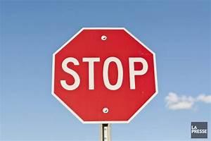 Panneau Stop Paris : un seul panneau d 39 arr t dans tout paris insolite ~ Medecine-chirurgie-esthetiques.com Avis de Voitures