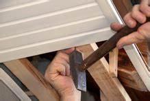 Fixation Lambris Pvc : poser du lambris isolant sur murs et plafonds ~ Premium-room.com Idées de Décoration