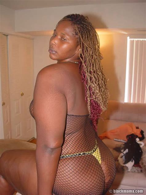 Curvacious Big Ass Older Black Mama Strips Panties And All