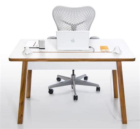 ordinateur portable ou de bureau studiodesk un bureau pour ordinateur portable blogeek