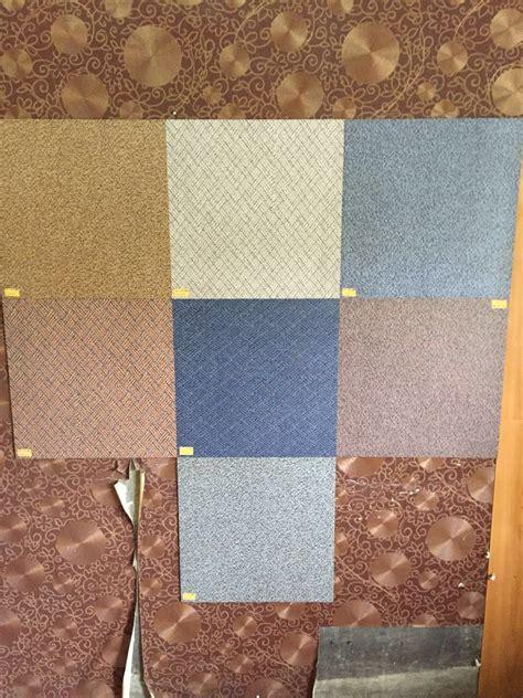 vinyl motif karpet ukuran cm  cm tile karpet