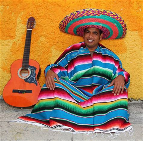 Traditional Mexican costume. Typical pieces of clothing in Mexico - Nationalclothing.org