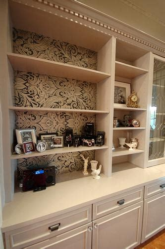 cream  brown bookshelf wallpaper