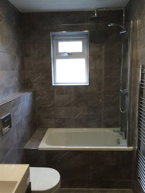 Cost Of Tiling A Small Bathroom by Pricing For Tiling Uk Bathroom Guru