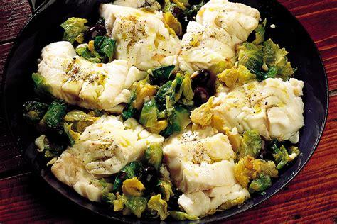cucinare broccoletti di bruxelles ricetta merluzzo con olive e cavolini di bruxelles la
