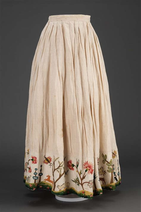 century petticoat colonial clothing dress 18th american woman linen wool embroidery embroidered skirt under petticoats dresses mid vermont america plain