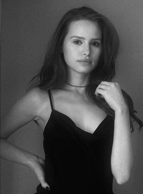 Madelaine Petsch Age, Height, Boyfriend, Riverdale