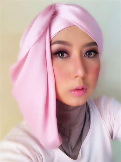 gambar tutorial hijab  wisuda