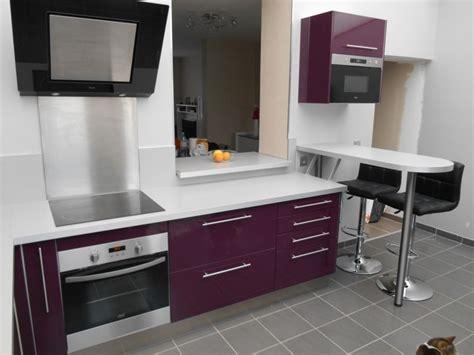cuisine blanche et aubergine davaus cuisine blanche mur aubergine avec des idées intéressantes pour la conception de