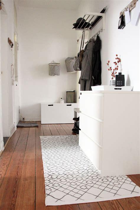 den flur im klassischen scandinavian minimalismus