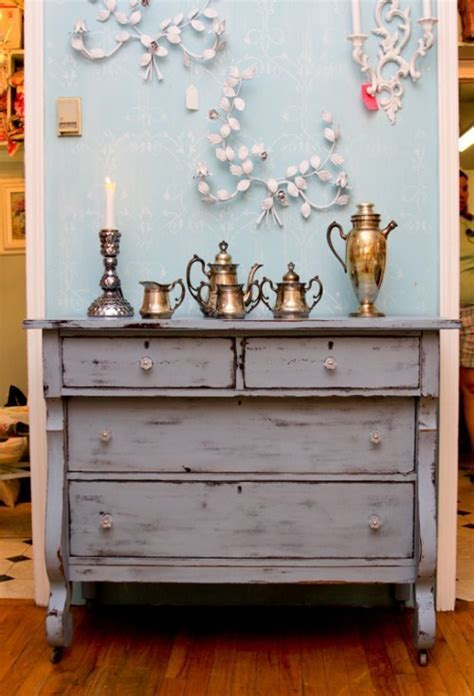 13 DIY Whitewash Furniture Projects For Shabby Chic Décor