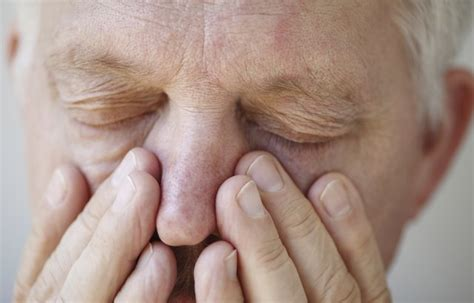 early signs   sinus infection livestrongcom