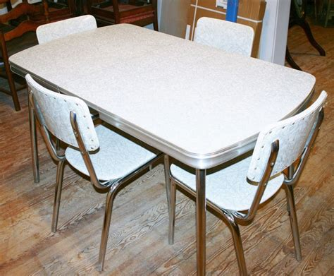 details  vintage  kitchen dinette set table