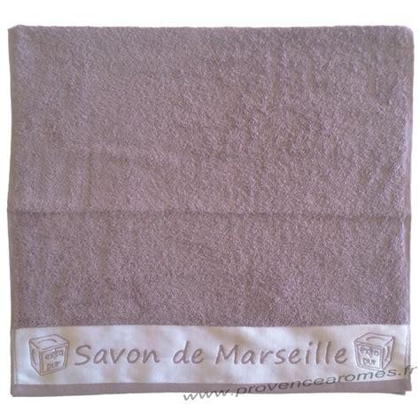 serviette de toilette brod 233 e savon de marseille couleur