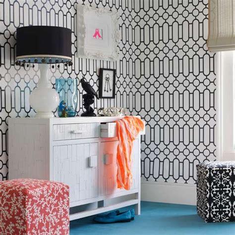 graphic print wallpaper teenage girls bedroom ideas