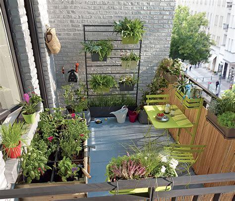 decoration sur balcon exemples damenagements