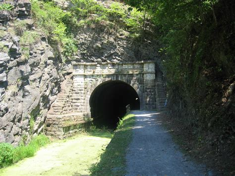 bridgehuntercom  canal trail paw paw tunnel