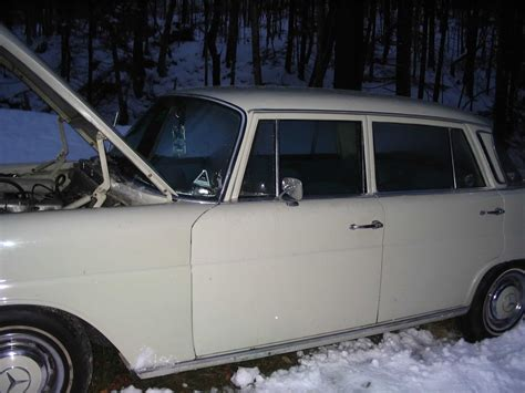 Blog Art And Car Picasa Web Albums Cheddar Mercedes 200d