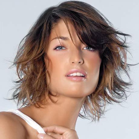 coupe de cheveux mi long ondule