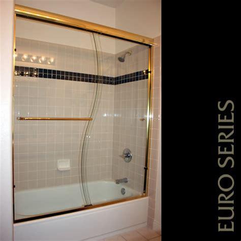 Tub and Shower Enclosures for Sacramento homes
