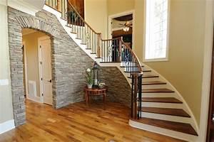 Halbgewendelte Treppe Mit Podest : preis f r eine podesttreppe faktoren beispielpreise ~ Markanthonyermac.com Haus und Dekorationen