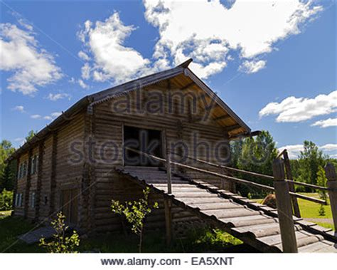 Russland, Traditionelles Haus In Mandrogy Dorf Stockfoto