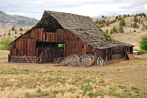 Oregon Old Barn Photo