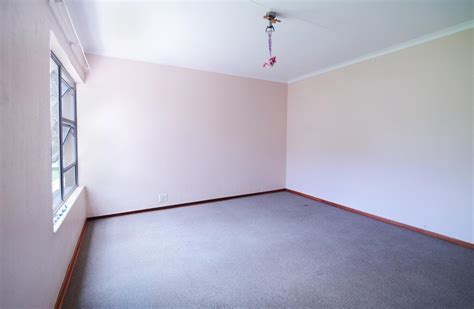 4 Bedroom House for Sale For Sale in Silver Lakes Golf