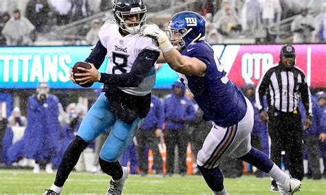 nfl acknowledges bad call  titans giants  matchup