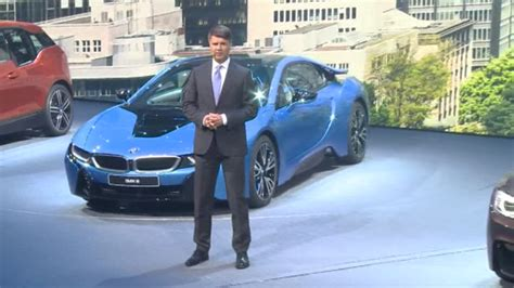 bmw ceo faint bmw boss makes headlines after collapsing on stage