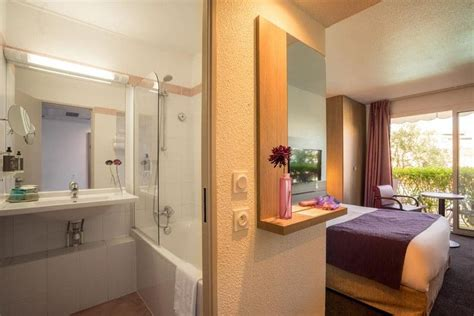 chambre confort marina hôtel chambre confort avec terrasse équipée du côté