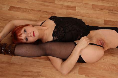 Flexible Redhead Milf Shows Big Pussy — Russian Sexy Girls