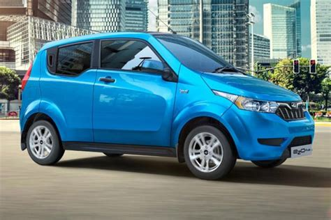 mahindra   revealed   door electric city