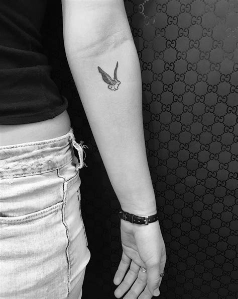 40 Cute Small Tattoos and Design Ideas by Celebrity Tattoo