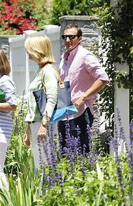 Steve Carell in Steve Carell and Family Leave the House ...