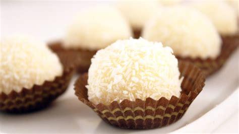la cuisine de samira boules à la noix de coco samira tv recette cuisine