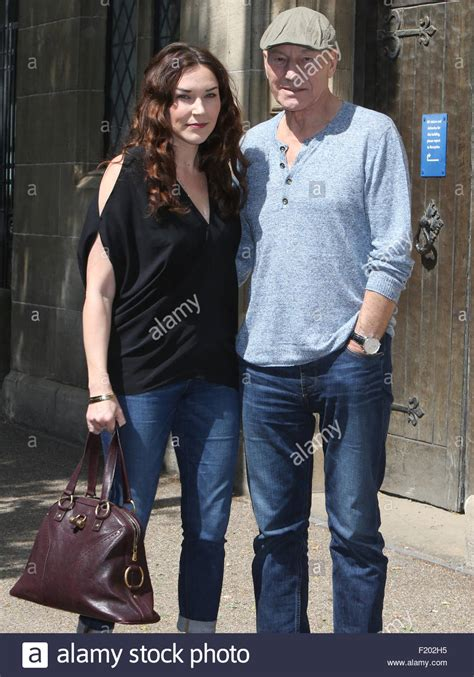 patrick stewart wife photo sir patrick stewart and his wife sunny ozell outside the