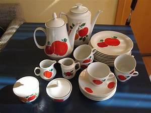 Geschirr Set Vintage : die besten 25 geschirr set nostalgie ideen auf pinterest antikes teesgeschirr royal albert ~ Markanthonyermac.com Haus und Dekorationen