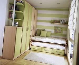 Kleines Ecksofa Für Jugendzimmer : kleines schlafzimmer anordnen mission erreichbar ~ Indierocktalk.com Haus und Dekorationen