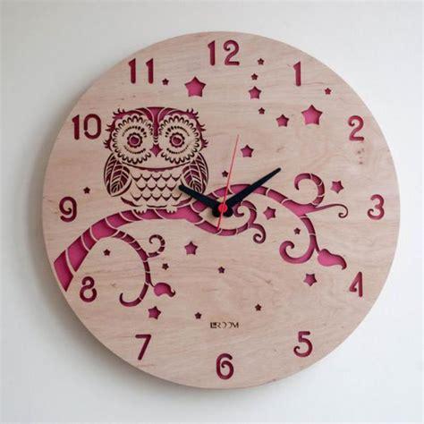 repeindre une cuisine en bois la grande horloge murale en photos archzine fr