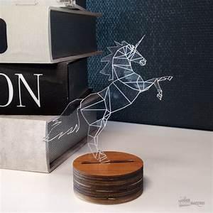 Lampe De Chevet Licorne : lampe licorne originale geek idee deco ~ Teatrodelosmanantiales.com Idées de Décoration