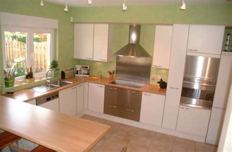 cuisine verte maison en rénovation à rafraîchir quelles couleurs pour