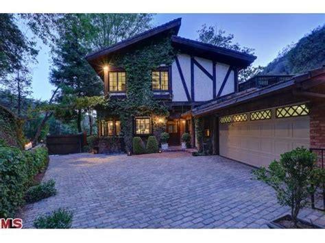ed o neill house address cher buys beverly hills home for 2 1 million trulia s blog