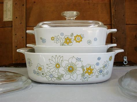 pin  tammy myers  vintage kitchen dishes  decor