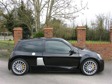 renault clio sport v6 used 2004 renault clio v6 renaultsport v6 255 for sale in