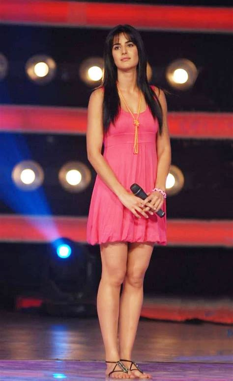 katrina kaif sizzles  pink dress   sets  indian