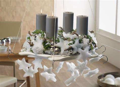 design ideen f 252 r moderne adventskr 228 nze h 228 ngekranz auf b 252 gelscheibe weihnachten