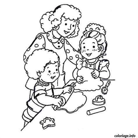 jeux de cuisine nouveaux gratuits coloriage maman enfants cuisinent dessin