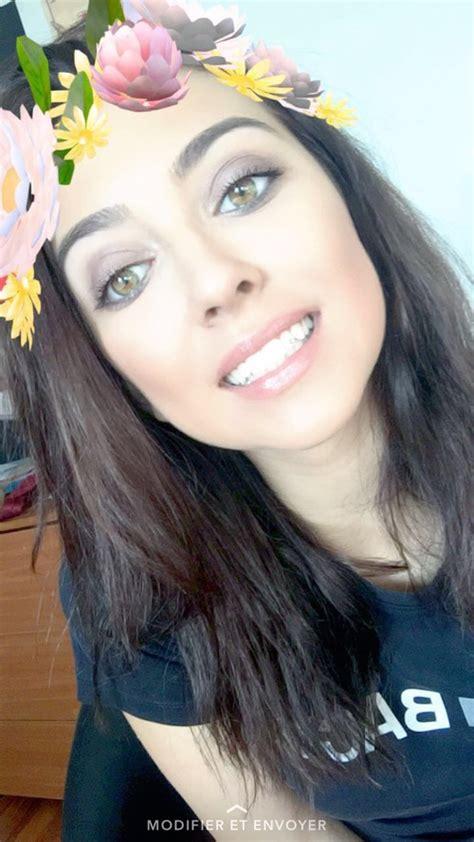 sonrisas falsas perfectas  todas tus selfies